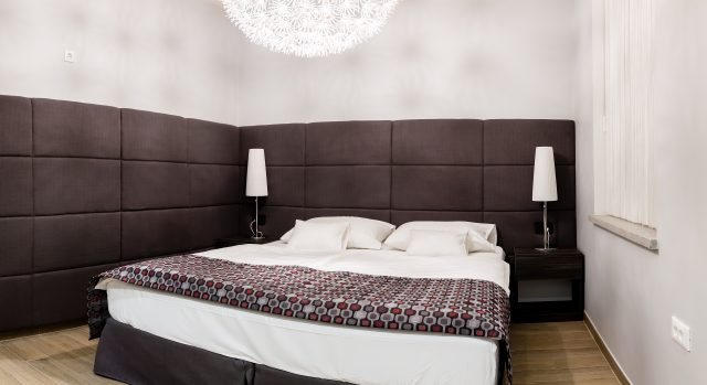 Room 102 / 103 / 202 / 203 (1-2 persons)